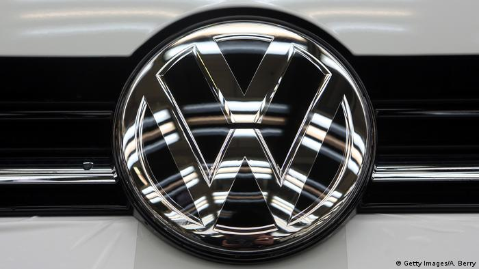 VW Volkswagen - Golf - Logo - Emblem (Getty Images/A. Berry)