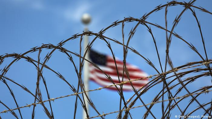 Barbed wire at Guantanamo Bay (Getty Images/J. Moore)