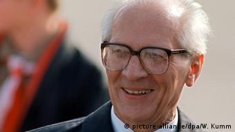 Erich Honecker (picture-alliance/dpa/W. Kumm)