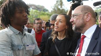 Ο Σουλτς χρειάζεται εικόνες και μηνύματα για τον προεκλογικό αγώνα