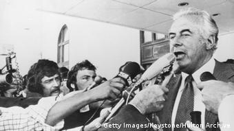 Whitlam surrounded by journalists outside parliament buildings in Canberra (Getty Images/Keystone/Hulton Archive)