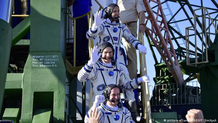 Kasachstan Baikonur Astronauten vor dem Abflug (picture-alliance/TASS/Y. Smityuk)