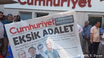 Türkei Istanbul - Cumhuriyet Zeitung