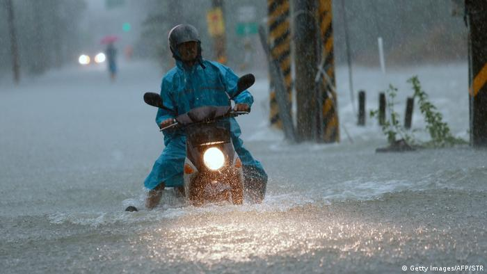 На Тайвані тайфуни знеструмили понад півмільйона помешкань