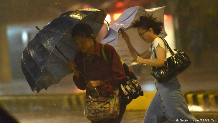 Taiwan Taifun Nesat (Getty Images/AFP/S. Yeh)