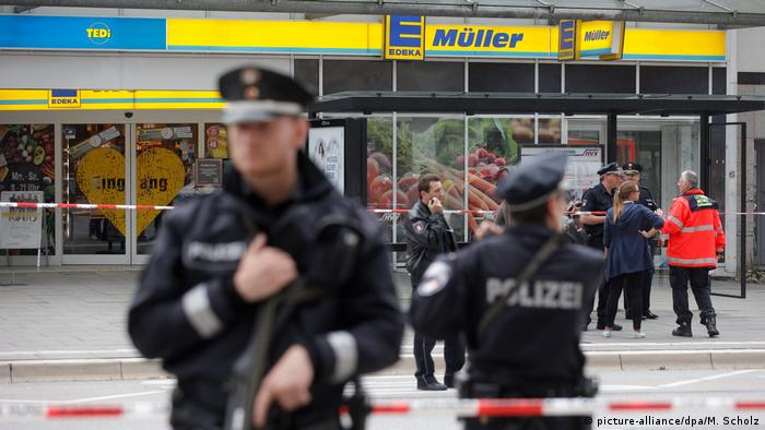 Deutschland Hamburg Messerattacke in Supermarkt (picture-alliance/dpa/M. Scholz)
