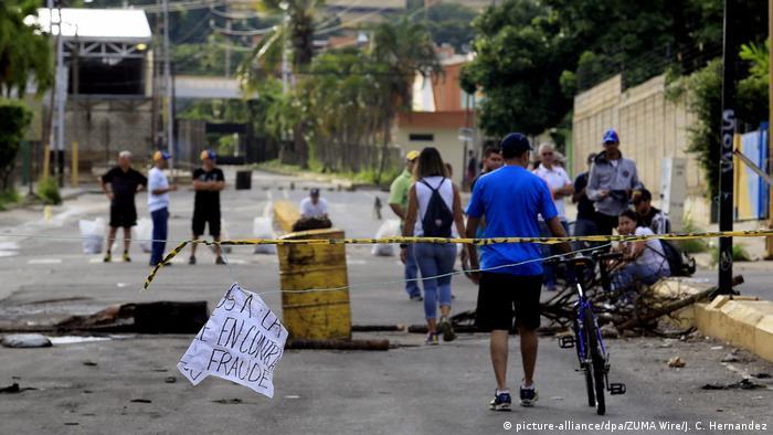 Podría imponer sanciones al sector petrolero de Venezuela el lunes