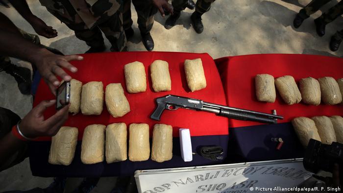 Indien Pakistan 21 Kg Heroin wurden beschlagnahmt an der Grenze (Picture-Alliance/dpa/epa/R. P. Singh)