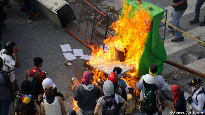 Venezuela Caracas Protest (Reuters/C. G. Rawlins)