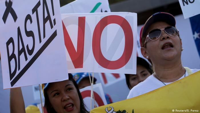 Venezuela Caracas Protest (Reuters/S. Perez)