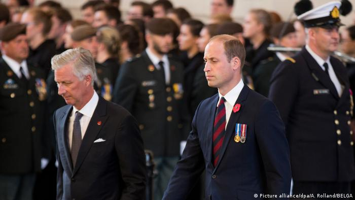 Belgian King Philippe and Britian's Prince William at the memorial for the centenary of the Battle of Passchendaele in Ypres, Belgium. (Picture alliance/dpa/A. Rolland/BELGA)