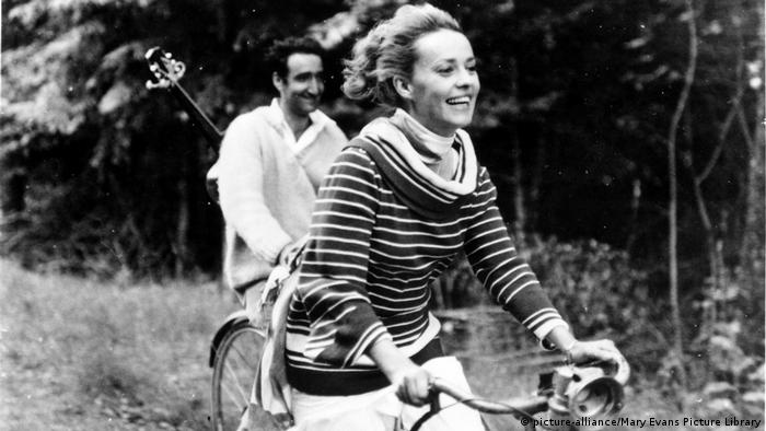 Jeanne Moreau in a scene from Jules and Jim (picture-alliance/Mary Evans Picture Library)