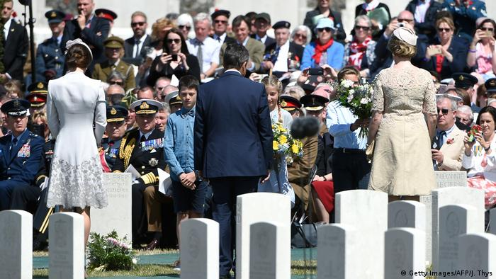 Sigmar Gabriel at the 100th anniversay for the Battle of Passchendaele in Belgium (Getty Images/AFP/J. Thys)