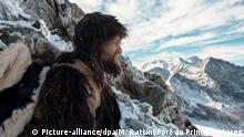 ARCHIV- HANDOUT - Kelab (Jürgen Vogel) im Hochgebirge der Ötztaler Alpen in Südtirol - eine Szene des Films «Der Mann aus dem Eis» (undatiert). Der Spielfilm, der eine frei erfundene Geschichte um den Tod der als Ötzi bekannt gewordenen Gletschermumie erzählt, wird beim 70. Internationalen Filmfestival in Locarno (Schweiz) außerhalb des Wettbewerbs gezeigt. (zu dpa «Kino-Magie: Das Filmfestival Locarno feiert 70. Geburtstag» vom 31.07.2017) ACHTUNG: Nur zur redaktionellen Verwendung im Zusammenhang mit der Berichterstattung über den Film und nur bei Urhebernennung Foto: Martin Rattini/Port au Prince Pictures/dpa +++(c) dpa - Bildfunk+++ |