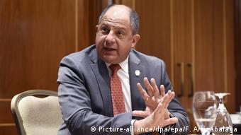 Costa Rica Präsident Luis Guillermo Solis (Picture-alliance/dpa/epa/F. Arrizabalaga)