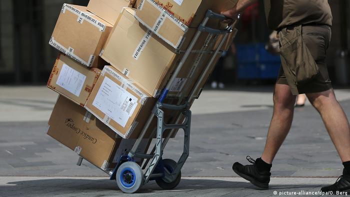 Deutschland Arbeitsmarkt Paketbote