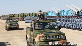China Jubiläum der Volksbefreiungsarmee (PLA)- Präsident Xi Jinping bei Militärparade