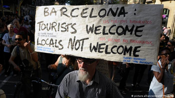 Spanien Proteste gegen Tourismusmanagement in Barcelona (picture-alliance/dpa/AFP/L. Gene)