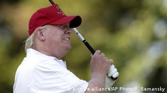 Президент США Дональд Трамп с удовольствием играет в гольф