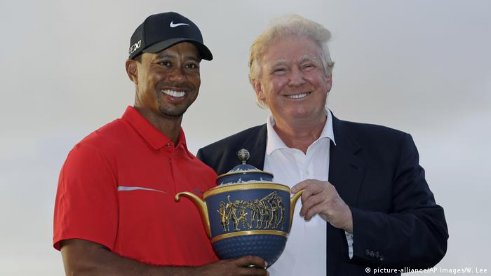 USA Donald Trump und Tiger Woods (picture-alliance/AP Images/W. Lee)