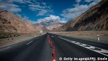 China Xinjiang Provinz - Am China-Pakistan Friendship Highway