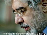 موسوی گفت که فعالان سیاسی «به خاطر دفاع از ارزشها و آرمانهای این ملت زندانی شدهاند و این مسئله یک مسئلۀ ملی است و ملی باقی خواهد ماند.»