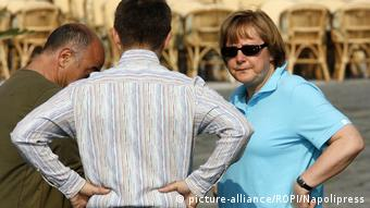 Angela Merkel and husband Joachim Sauer on vacation in Italy (picture-alliance/ROPI/Napolipress)