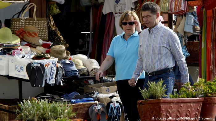 Italy Ischia Neapel - Angela Merkel und Ehemann Joachim Sauer