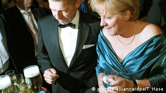 German Chancellor Angela Merkel with her husband Joachim Sauer (picture-alliance/dpa/T. Hase)