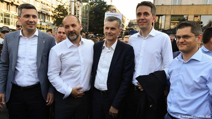 Fotografija iz vremena veće sloge (31.5.2017.) i zajedničkog prosvjeda oporbe protiv Vučića - Boško Obradović, Saša Janković, Milan Stamatović, Saša Radulović, Vuk Jeremić