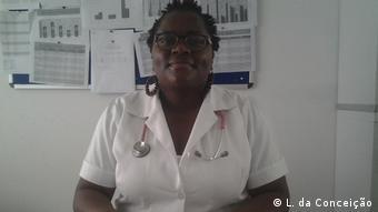 Mosambik - Idalia Machavene, klinischer Direktor an dem ländlichen Krankenhaus von Chicuque (L. da Conceição)