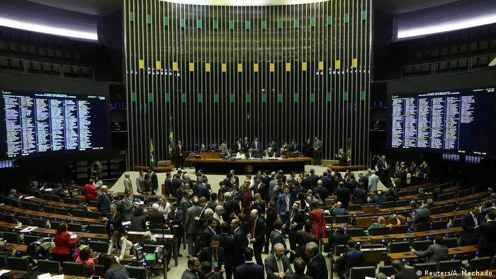 A votação da denúncia contra Temer na Câmara