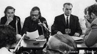 Pressekonferenz des Skandalfilmes O.K. von Michael Verhoeven auf der Berlinale 1971
