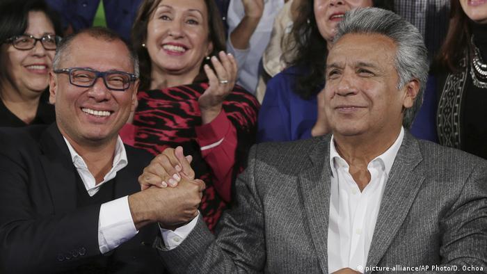 Ecuador Lenin Moreno und Jorge Glas feiern Sieg bei den Präsidentenwahlen (picture-alliance/AP Photo/D. Ochoa)