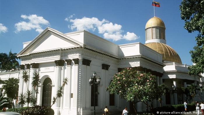 Venezuela Gebäude der Nationalversammlung in Caracas (picture-alliance/dpa/A. Merker)