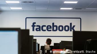 Deutschland Facebook gibt Einblick in die Berliner Feuerwache