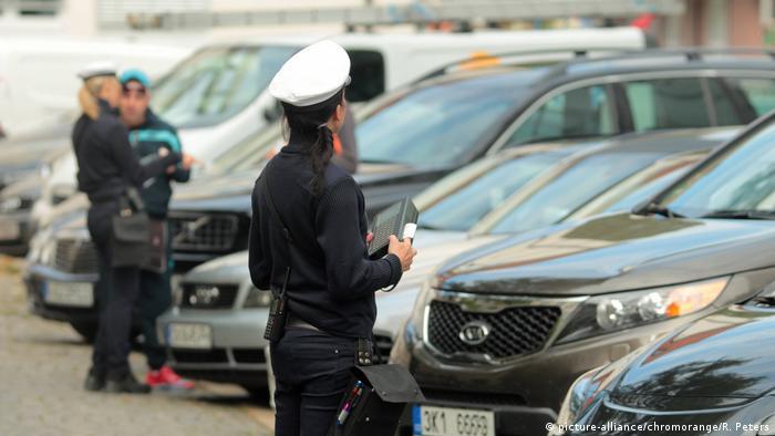 Deutschland - Falschparker Politessen vom Ordnungsamt München