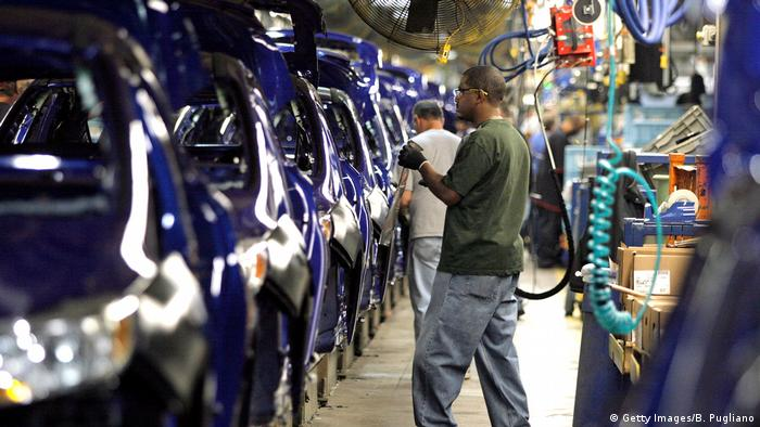 US automotive workers (Getty Images/B. Pugliano)