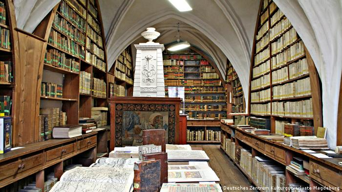 Nazi-looted books found in German libraries