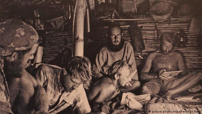 Thor Heyerdahls Expeditionen: Kon-Tiki- Schiffsbesatzung (picture-alliance/dpa/Peruvian Navy)