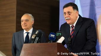 Libyen UN-Sondergesandter reist zu Gesprächen nach Tripolis (Getty Images/AFP/M. Turkia)