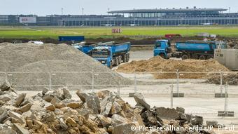 Стоительство аэропорта BER в Берлине