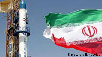 Montage of Obama, Ahmadinejad and the US and Iranian flags