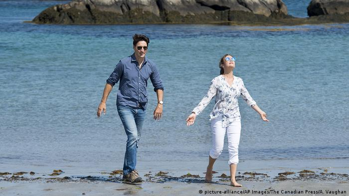 Kanada - Kejimkujik Seaside National and Historic Park - Justin Trudeau und Sophie Gregoire (picture-alliance/AP Images/The Canadian Press/A. Vaughan)