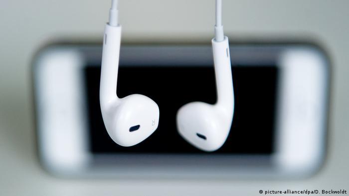 Apple se suma... (picture-alliance/dpa/D. Bockwoldt)