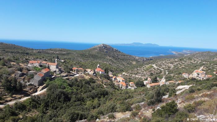 Kroatien Insel Hvar Blick auf den Ort Velo Grablje