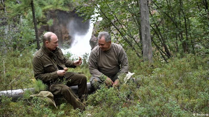 راهی برای شکار اردک عکسهایی از تعطیلات تابستانی پوتین؛ رئیسجمهور ″همه فن ...