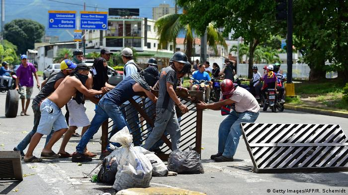 Venezuela Proteste in Valencia (Getty Images/AFP/R. Schemidt)