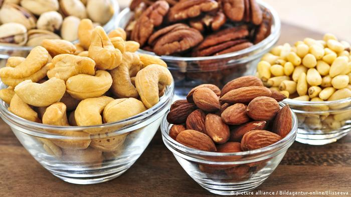 Gesunde Nahrung Nüsse (picture alliance / Bildagentur-online/Elisseeva)