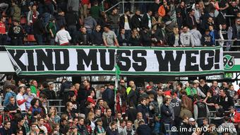 Hannover fans are protesting against chairman Martin Kind